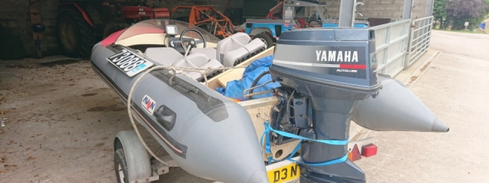 pennine Marine, the UK's foremost avon and searider experts, are offering fir sale on ribnet and boats and outboards a classic avon searider rib, complete with yamaha 40hp engine and riad trailer. this used / preowned /secondhand avon searider rib boat is in very good condition and fully operational throughout.. this classic Avon searider speedboat is for sale only here at Pennine Marine. this is a great example of the classic avon searider rib; a true classic rib hull