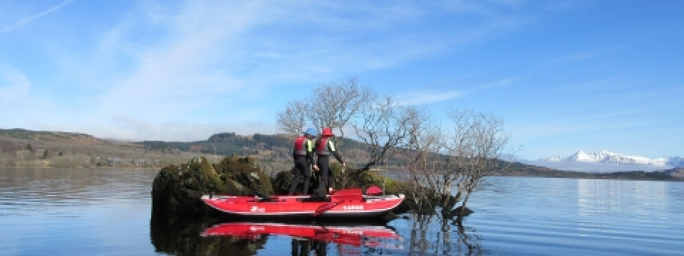 thiswebsite and blog features sup and stand up paddleboerad, both solid and inflatable, in a wide variety of locations, including the leeds andliverpool cnal, the lake distruicy, lake windermere, coniston water and ullswater. We have explained in this blog about the adavnatges and disdavantages of sup stnad up paddleboard, in particular the advantages of  infltable paddles for ease of storage and portability.  An inflatable sup and easily be rolled up into a backpack . we compare the red and the other brand