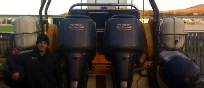this webpage is a blog about the torqeedo travel and cruise and deep blue electric outboard engines: which we consider to be a fine range of electric outboard engines.. The tirqeedo engines come in three sizes: the 4hp travel 1003 and 1103: the larger cruise engines (5hp, 6hp, 10hp, 20hp ) and the unbelieveable 40hp and 8hp deep blue untit; which really are 21st century outboard engines. The torqeedo travel cruise and deep blue ranges are, in our opinion, a very high quality outboard engine and the quality