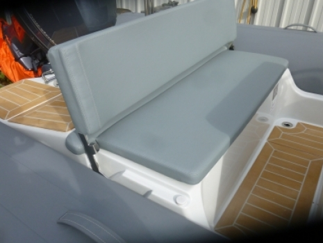 the zodiac medline is an excellent example of a med based, family friendly rib that is idea for use in spain, grrec, italy or turkey. the medline 580 rib has an excellent hull that cuts throught the deep blue waters and choppy seas of the Med. The medline 580 has the excellent family seating and sunloungers that are required for picnics and outings and expeditions in the warm waters of the medierranean sea. the xzodiac 580 rib is a bloggers delight, having been developed over many years. the medline rib is