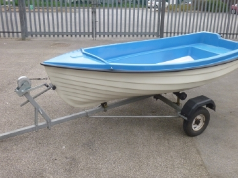 one small preowned used secondhand dingy forr sale in uk, complete with road trailer. this preowned dingy is in good order throughout. this small boat is being sold complete with a full road trailer and is without an outboard engine. Pennine Marine has the full range of outboard engines to go with this small dingy. this preowned small boat is in good condition throughout and can be used as atender or on lakes or river.