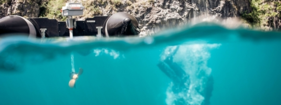 this website and blog includes full sale details and specifcations of Torqeedo travel 1003 and 1103 electric outboard engines and motors. This website includes all the images, photos and videos of the Torqeedo travel 1103 and 1103 electruc outboard engines for sale in the UK and Europe. The Torqeedo traavel electruc engines are sold in the stanard travel 1003 model and then the premium silent drive 1103 model. the toqreedo travel 1103 has excellent reviews. these german made electric outboards are ideal