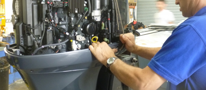 Pennine Marine offers the full range of outboard engine servicing for all brands of outboard engines. We offer a full service centre for outboard engines made by Yamaha, Suzuki, Honda, Johnson Evinrude, Mercury and mariner and Torqeedo. Pennine Marine offers a full range of inspection, assessment and diagnostics service for all outboard engines of all types. Pennine marine offers a afull spare parts service for Yamaha, Suzuki, Honda, Mercury, Mariner and Tohstsu outboards, all sizes from 2.5hp to 350hp